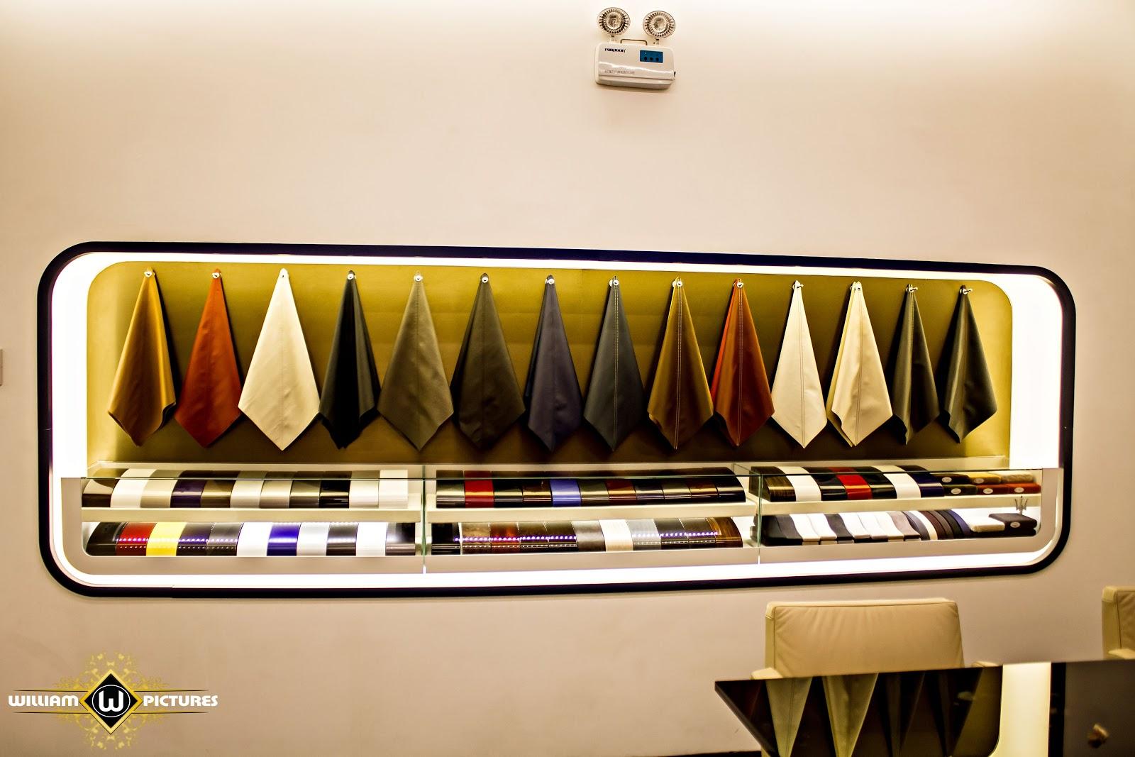Khi khách hàng xem xe, họ có thể tùy chọn màu sắc, phong cách nội thất cho riêng minh