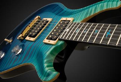 http://www.guitarcoast.com/2015/11/estudando-solos-de-forma-musical.html