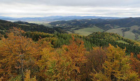 Widok na dolinę Kamienki i na Lubowlę.