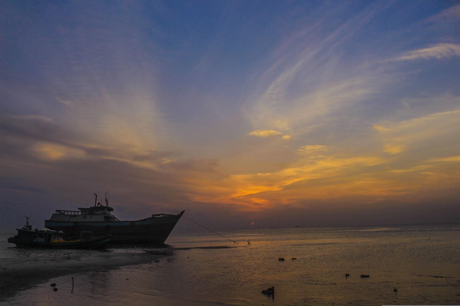 Sunset-Tanjung-Pendam.jpg