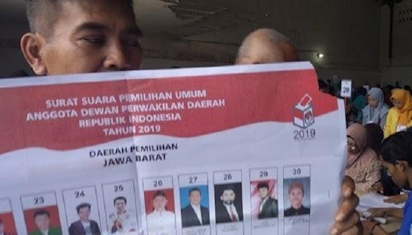 Dekat Pemilu, KPU Sukabumi Temukan Ratusan Surat Suara DPD RI Rusak