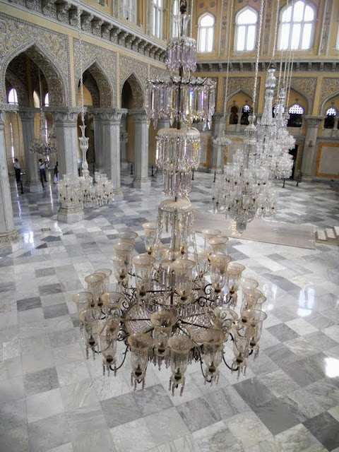 Things to see in Hyderabad India: The marble and chandeliers of Chowmahalla Palace