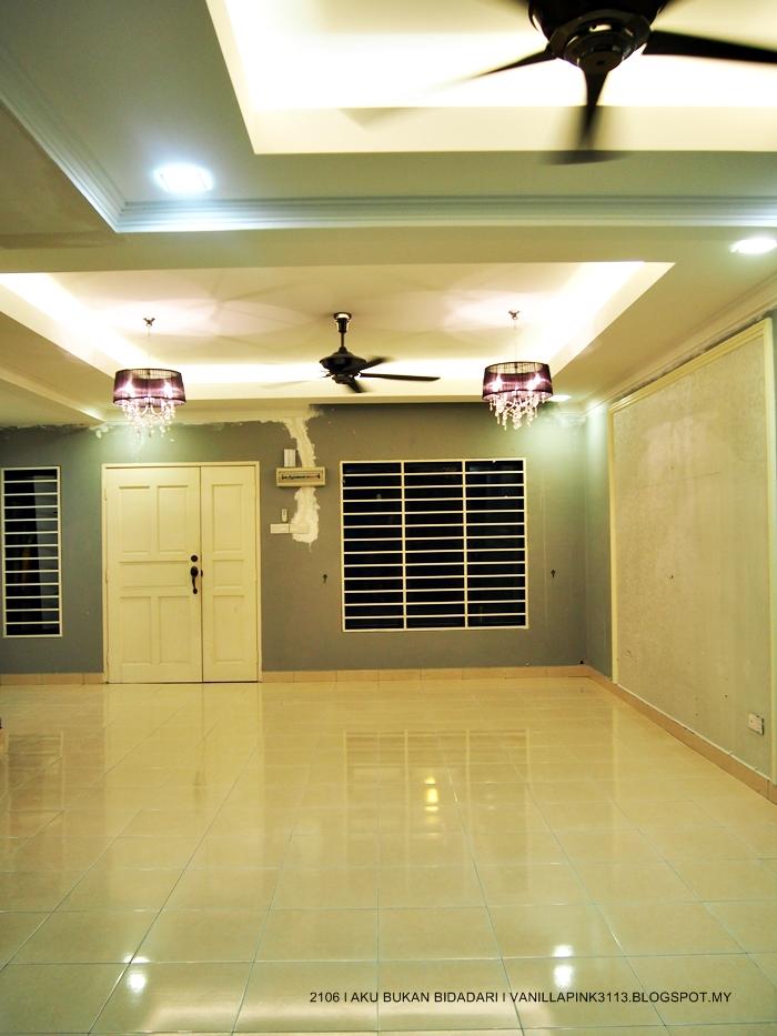 So Ni Lah Living Hall Yang Baru Siap Plaster Bau Tu Pon Masih Kuat Aku Cakap Macam Masuk Umah Jer Feeling Je Nok