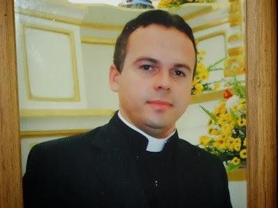 Resultado de imagem para fotos de padre ney lopes paroco de sao tomé