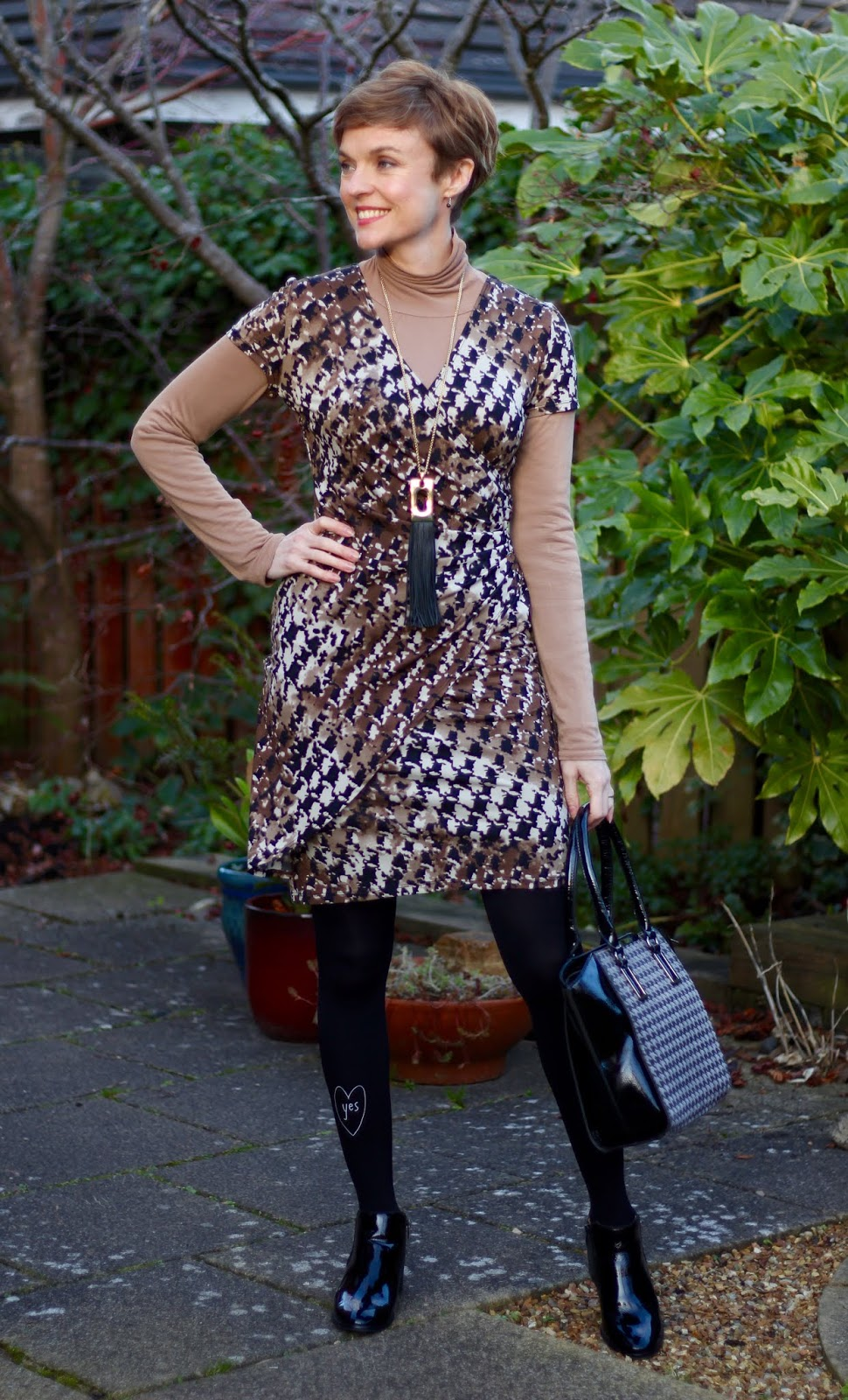 Houndstooth Wrap Dress | Layered work outfit | Fake Fabulous