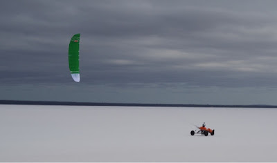 Pictures - Ozone R1 7m in the kite buggy
