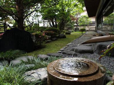 Tuyển 6 nam lao động làm công việc xây dựng khu sân vườn tại Fukuoka Nhật Bản