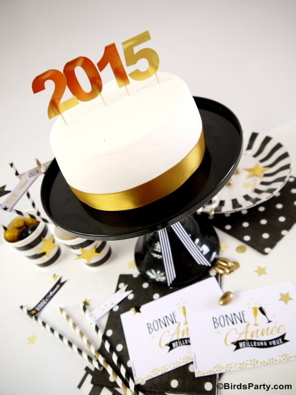 New Year's Eve Party Ideas | DIY Black, White and Gold Tablescape - BirdsParty.com