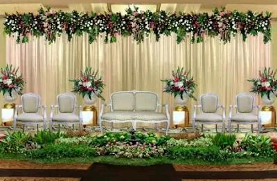 dekor pernikahan modern serba putih
