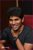 Allu Sirish at Red FM-thumbnail-15