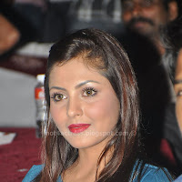 Hot madhu shalini latest hot thighs pics