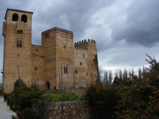Castillo de Castilnovo, Segovia, Castilla y León, arte románico