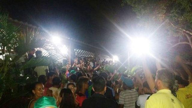 Após boato de urnas encontradas, multidão foi ao fórum eleitoral em Barra do Corda