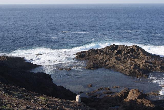 piscinas naturales del norte de Gran Canaria-charco de los cangrejos abierto al mar
