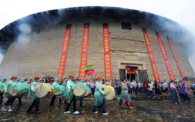Κίνα: Προσπάθειες αναστήλωσης των ιστορικών σπιτιών tulou