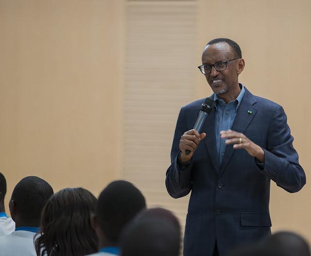 Perezida Kagame yaburiye abahize 'kuzomumesa'