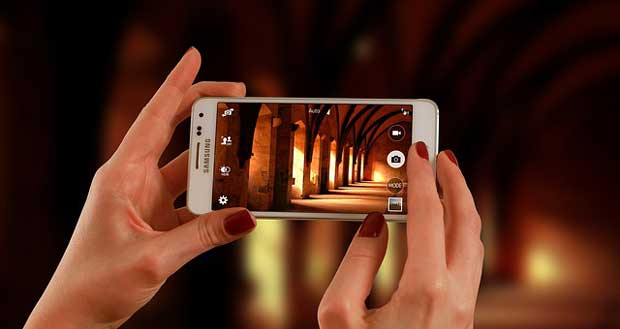 Jika Anda adalah salah satu orang yang paling sering mengambil foto dengan kamera ponsel 7 Trik Aplikasi Edit Foto Keren dan Terbaik untuk Android yang Harus Anda Ketahui