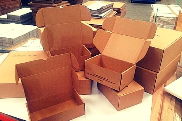 Cajas de cart n en cartonajes alboraya s a somos - Cajas transparentes para zapatos ...