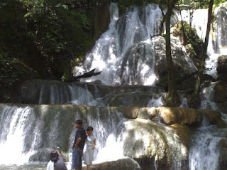 Amazing Keindahan Wisata Mata Buntu Waterfall di Luwu Timur Sulawesi Selatan