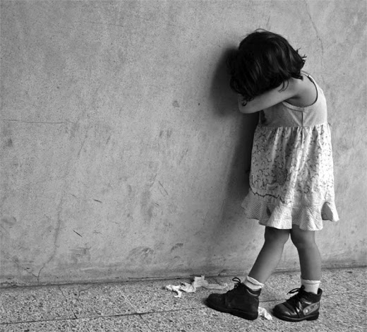 Cute Little Girl Wallpapers With Quotes Sad Lonely Baby Girl I Am So Lonely I M So Lonely