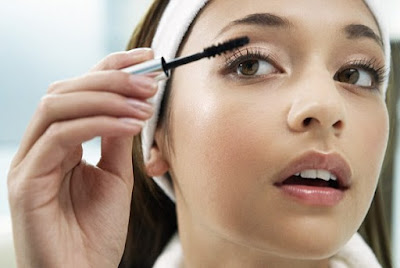 how-to-apply-sweat-proof-make-up