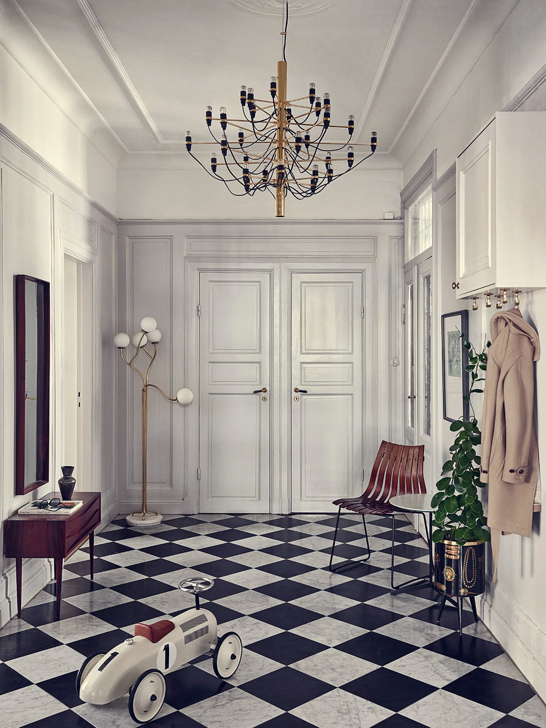 my scandinavian home the palatial home of a stockholm stylist. Black Bedroom Furniture Sets. Home Design Ideas