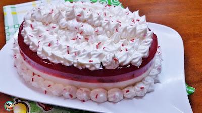 Pastel sin horno de fresas con nata