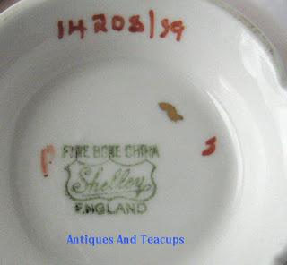 Duncan Hines Tiara Cakes And Vienna White And Praline Brownies