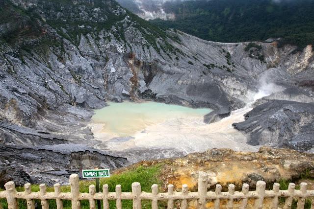 Tempat wisata hits Gunung Tangkuban Perahu di subang