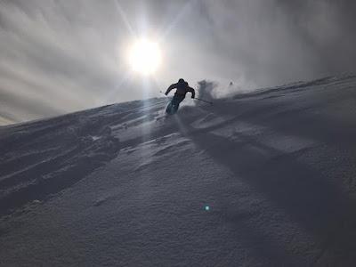 Idyllisches Skifahren in Kitzbühel