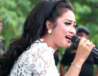 Download  Lagu Mp3 Terbaik Anisa Rahma Full Album Paling Populer Lengkap