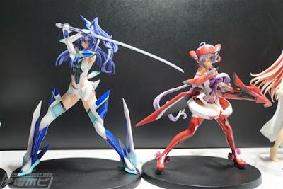 Senki Zesshou Symphogear GX – Kazanari Tsubasa & Yukine Chris