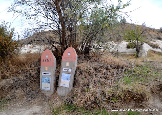 trail markers to Zemi Valley and Love Valley
