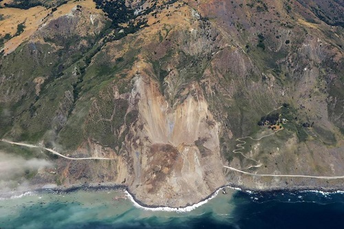 big_sur_landslide_2017_photo