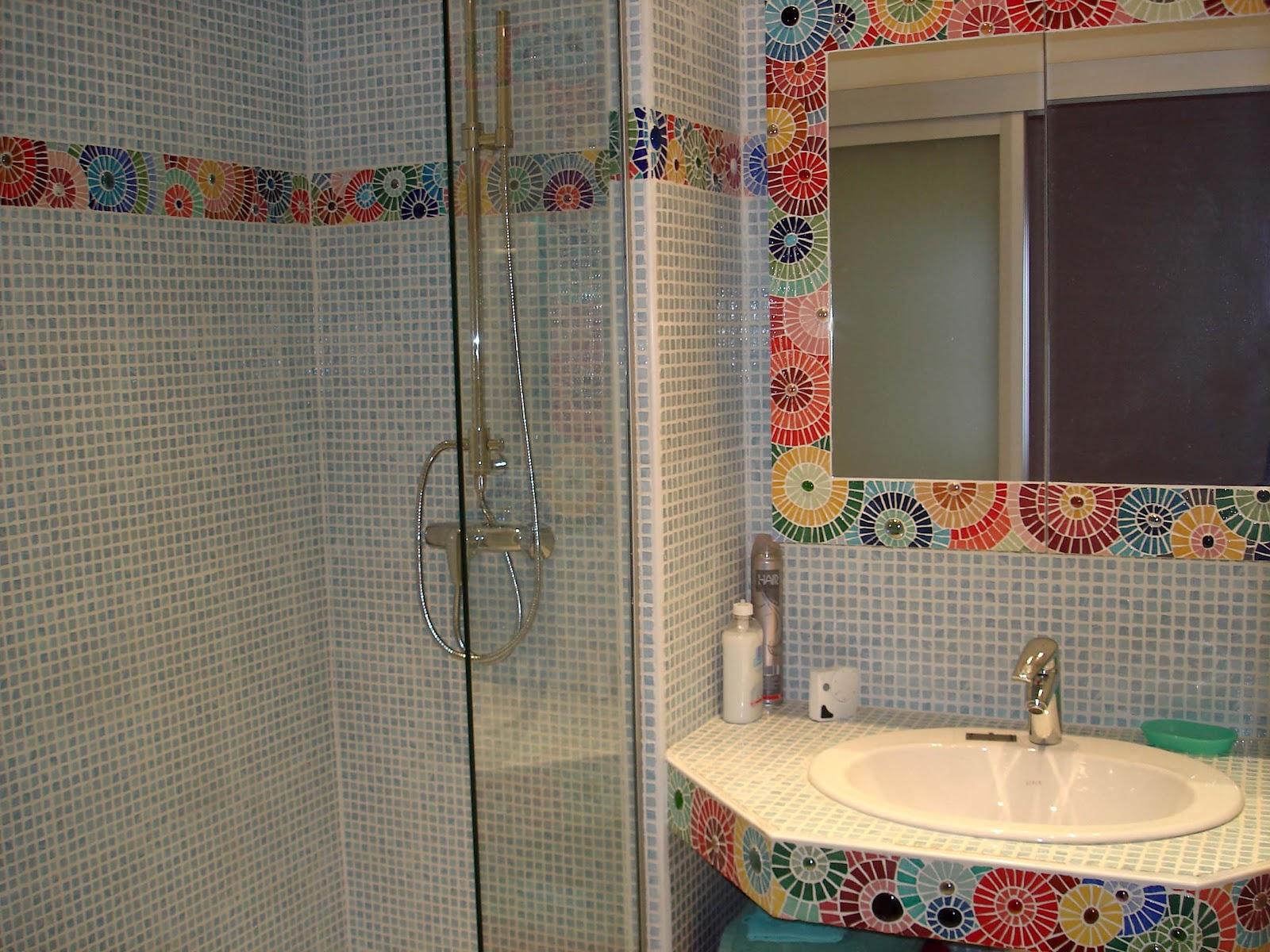 Mosaques Les FloCats frise salle de bain