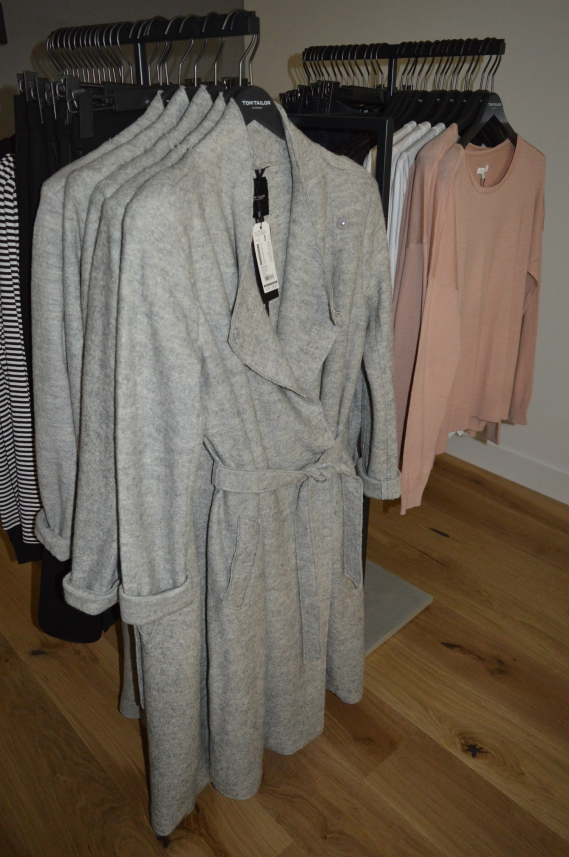 ari sunshine 40 mode blog hamburg schleswig holstein tom tailor showroom. Black Bedroom Furniture Sets. Home Design Ideas
