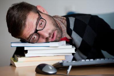 √ Penyebab Anda Sering Mengantuk di Tempat Kerja
