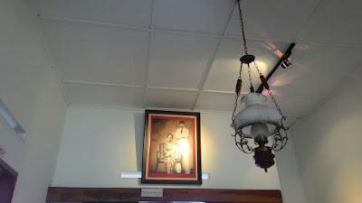 Lampu Di Rumah Bersejarah Inggit Garnasih
