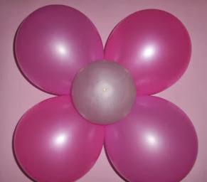 http://vctryblogger.blogspot.com.es/2012/11/flores-con-globos-fiesta-cumpleanos-quinceneras-facil.html#more