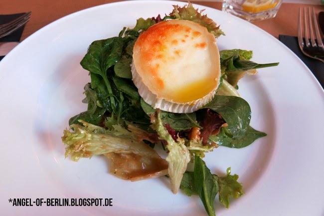 Barcelona/El Raval/Bar Lobo: Goat Cheese Salad