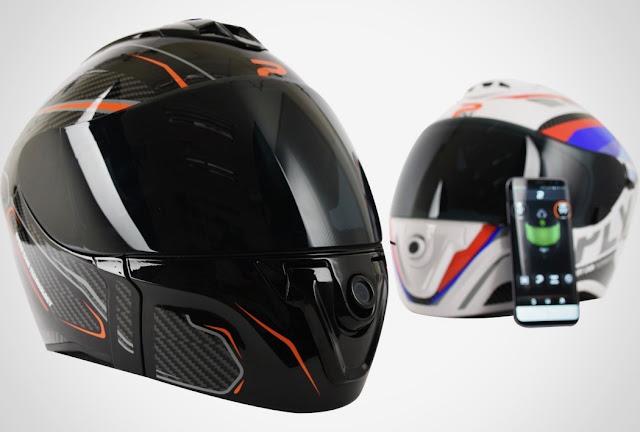 PLY, Helm Modern Dilengkapi Dengan Kamera, Microfon, Speaker.