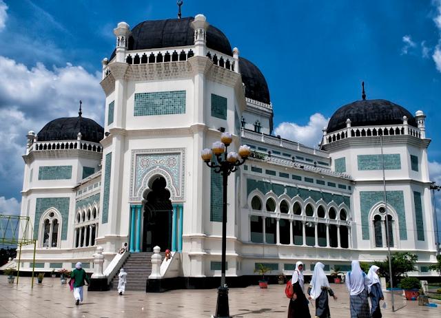 Wisata Masjid Raya Medan