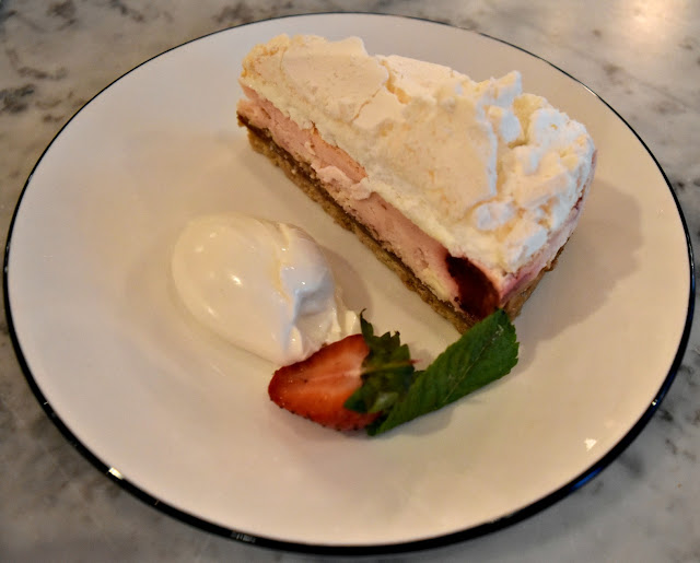Pizza Express Eton Mess Cheesecake