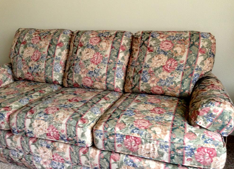 Blue Fl Chintz Overstuffed Sofa Flowered Couches
