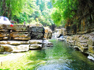https://dayahguci.blogspot.com/2017/08/lingkok-kuwieng-lembah-istana-tempat.html