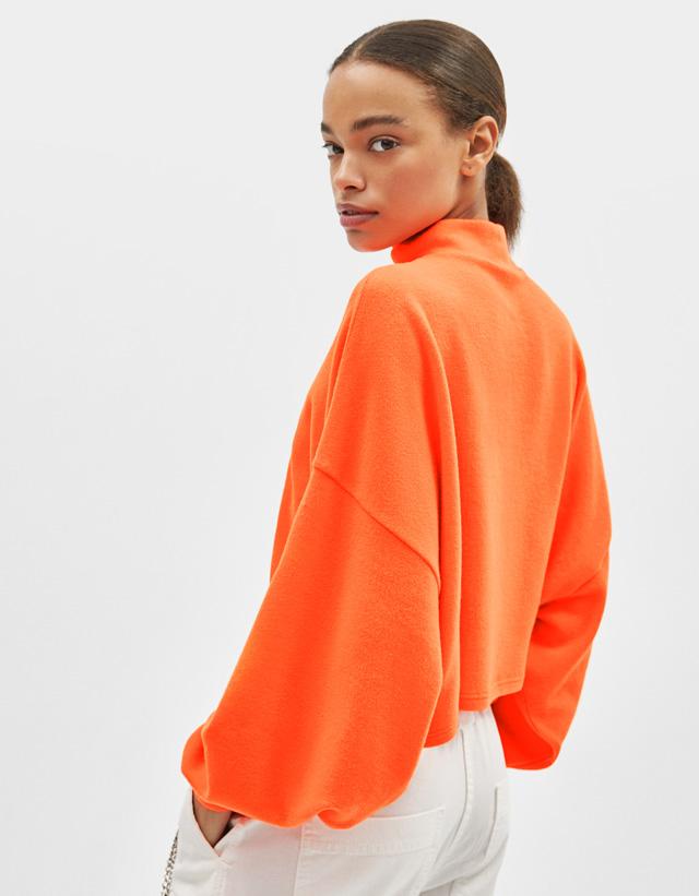 361c397b3a2a Anche le maglie in trasparenza sono realizzate in colori fluorescenti ed  accesi, in modo da donare particolarità e colore al look.