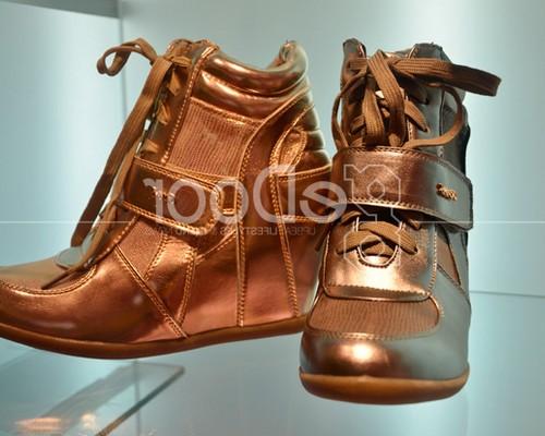 Model sepatu gosh terbaru untuk wanita pria ke sekolah dan ...