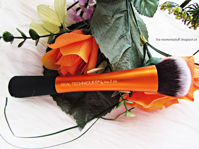 Real Techiniques Expert Face Brush
