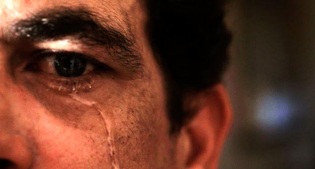 Hijrah-bertatto-menangis_899987.jpg