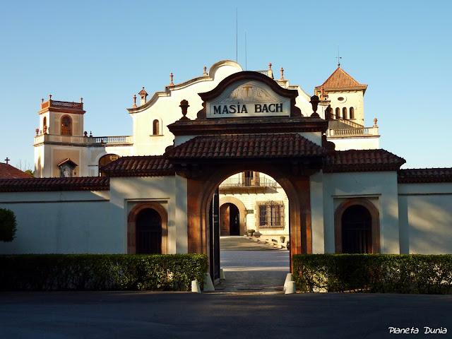 Masía Bach